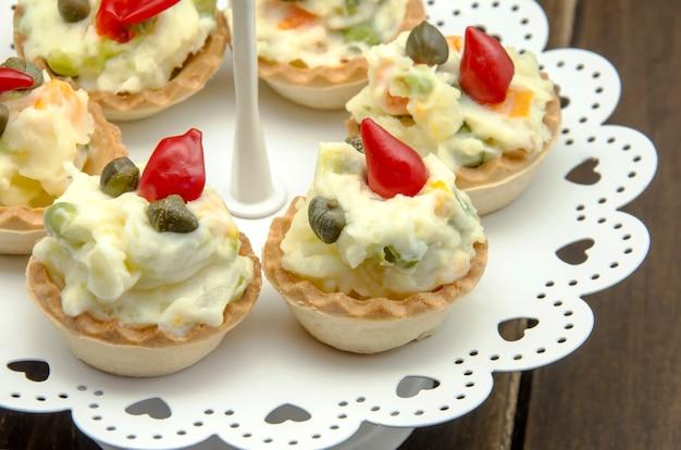 Collations de salade russe