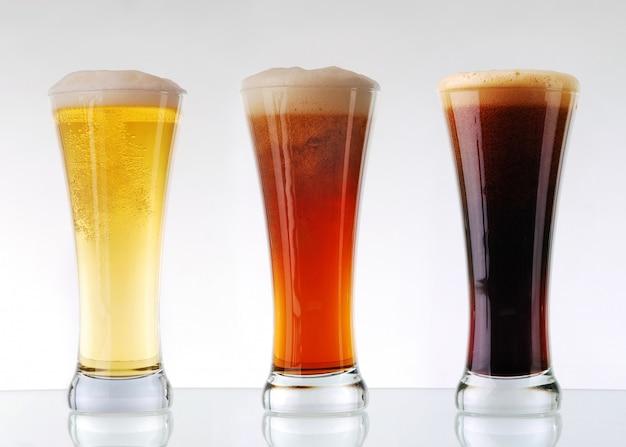 Collection de bière - trois verres de bière