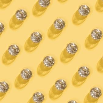 Collection de boules de noël transparentes