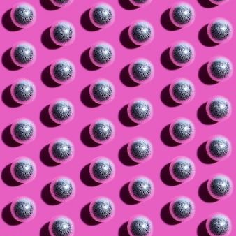Collection de boules d'ornement transparentes