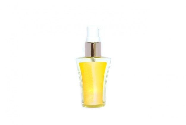 Collection de contenants d'hygiène beauté vaus sur fond blanc