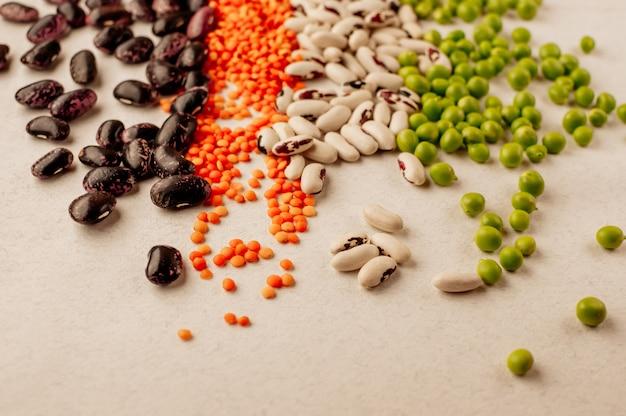 Collection de diverses légumineuses séchées