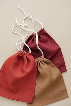 Collection de poches vides eco de différentes couleurs