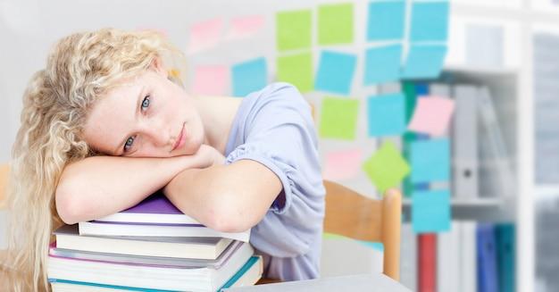 Collège deal vide signer fatigué