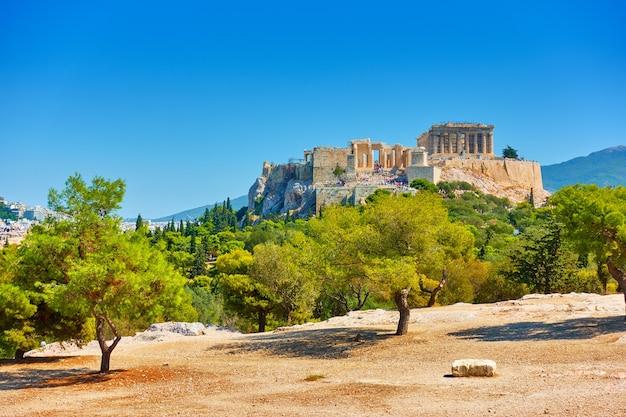 Colline de l'acropole à athènes en grèce. paysage