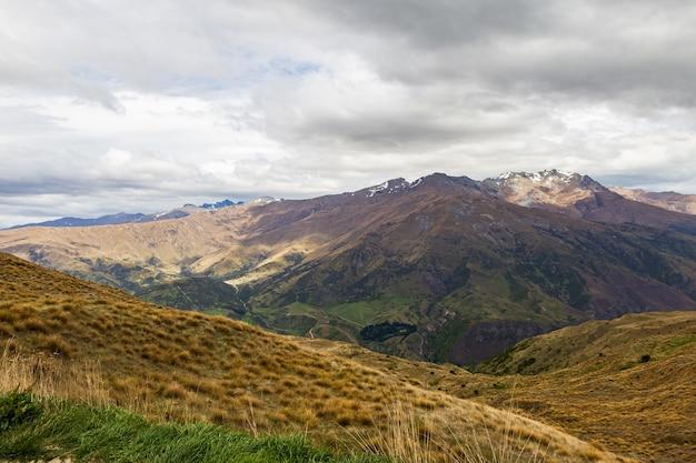 Collines et montagnes de l'île du sud nouvelle-zélande