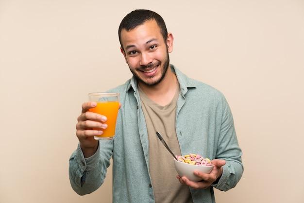 Colombien tenant un bol de céréales