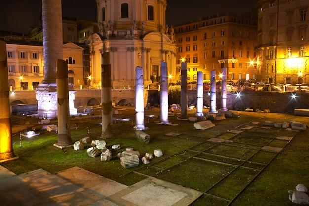 La colonne de trajan à rome