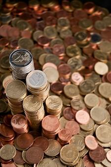 Colonnes de pièces de monnaie euro