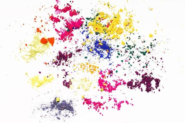 Colorants indiens abstraits colorants colorés sur fond blanc.