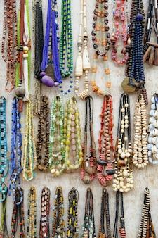 Coloré de souvenirs de style natif du ghana pour la décoration
