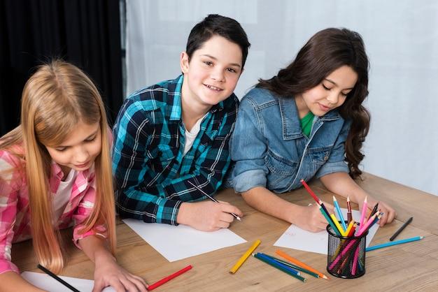 Coloriage smiley pour enfants