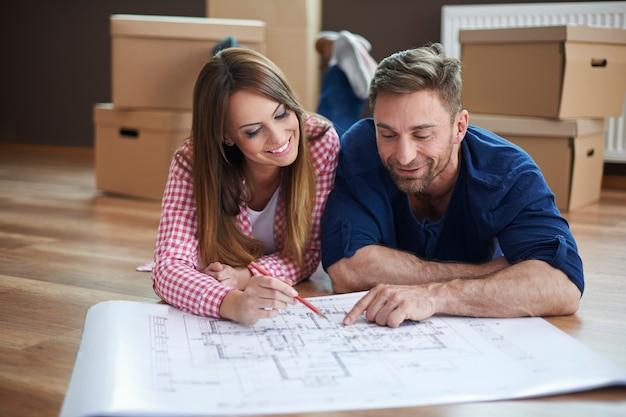 Commencer notre vie ensemble dans une nouvelle maison
