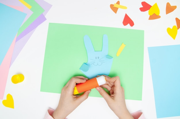 Comment faire du lapin en papier pour les salutations de pâques et le plaisir