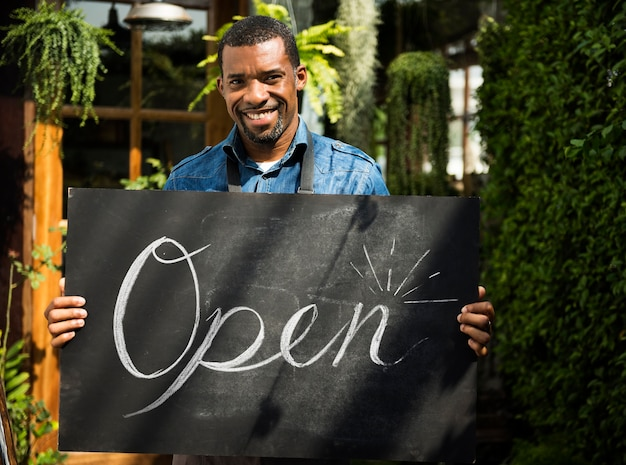Commerce de détail magasin vente commerce ouvert