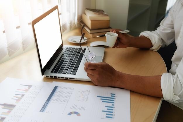 Communication de diagramme de rapport de bilan de technologie des données