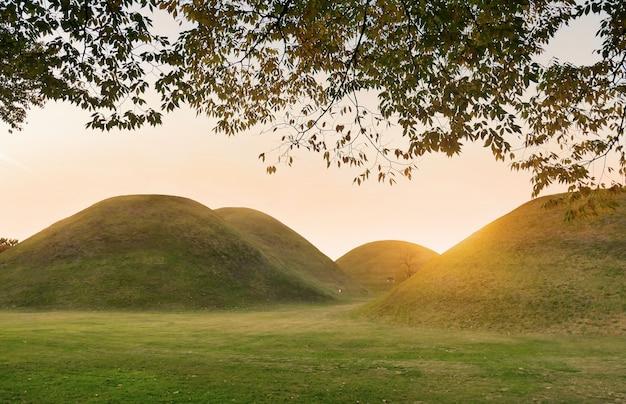 Complexe des tombes royales du parc des tumuli
