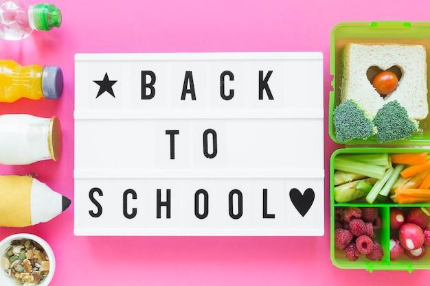 Composition d'aliments sains près de la rentrée scolaire