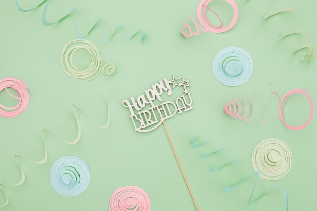 Composition d'anniversaire plate