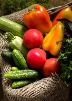 Composition automnale de légumes frais