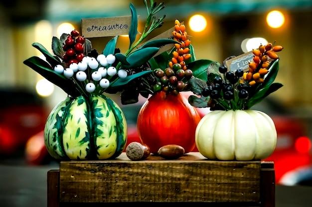 Composition d'automne de citrouilles comme cadeau pour les vacances
