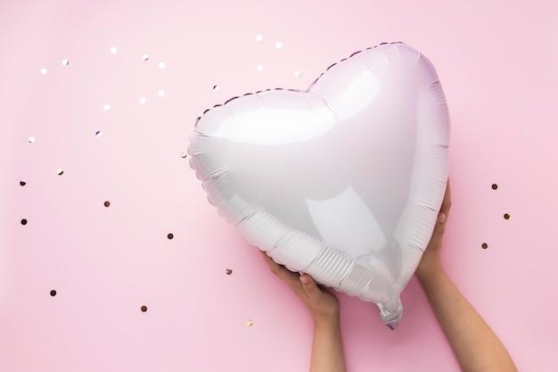 Composition avec ballon coeur mignon