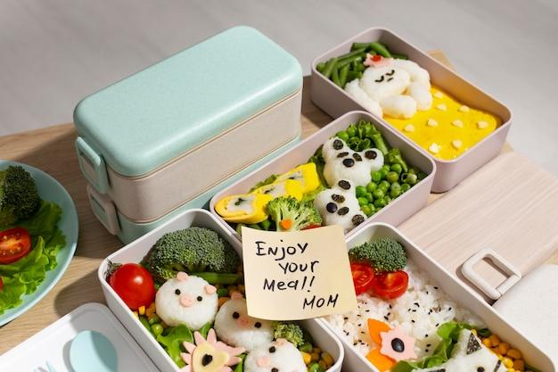 Composition de la boîte à bento japonaise