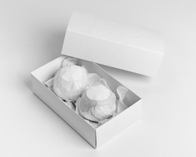Composition de bombes de bain emballées à angle élevé