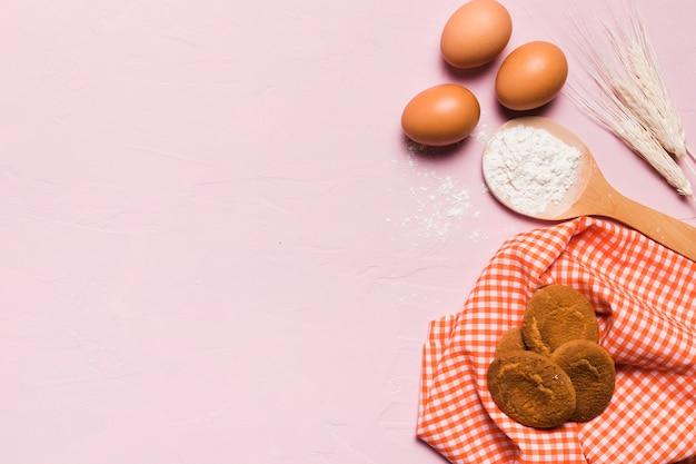 Composition de boulangerie à plat avec fond