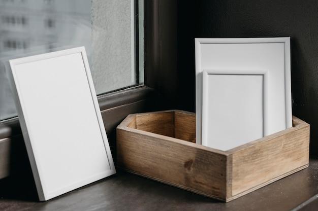 Composition de cadres blancs minimalistes