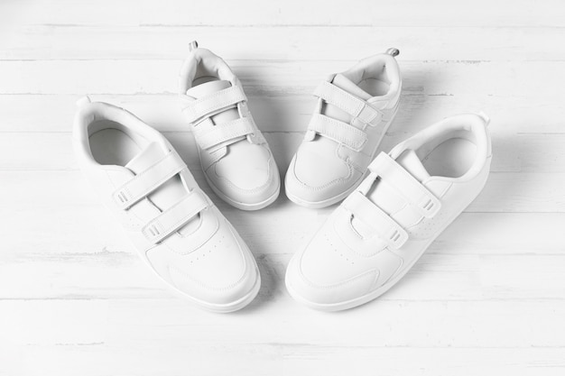 Composition des chaussures père et fils