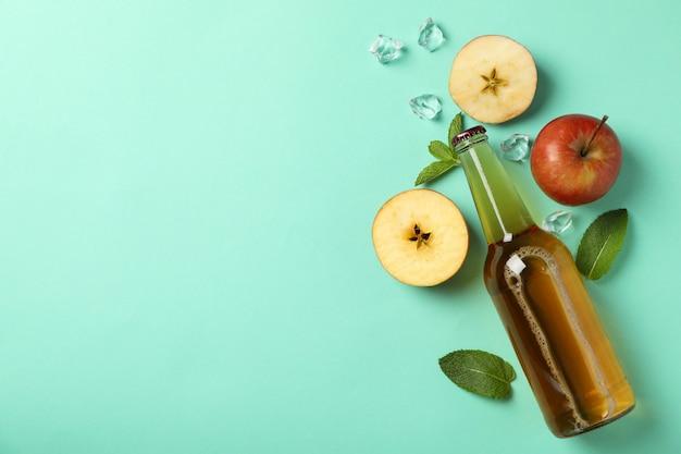 Composition avec cidre, pommes et glace