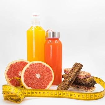 Composition colorée avec des aliments sains