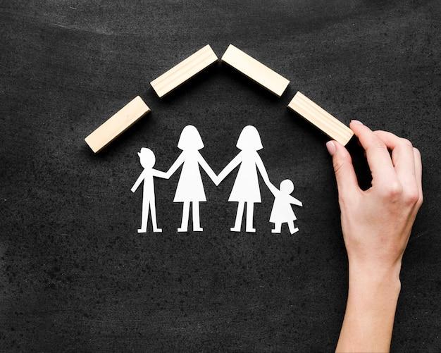 Composition créative du concept de famille sur tableau noir