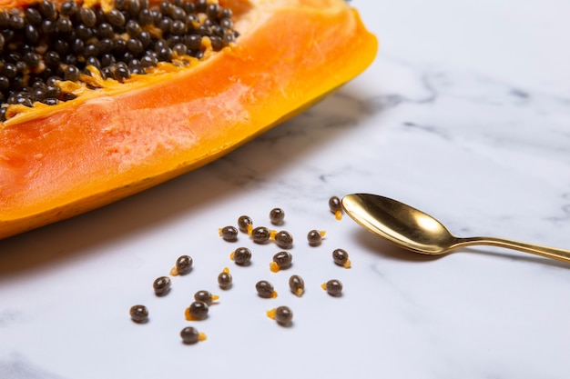 Composition de délicieuse papaye exotique