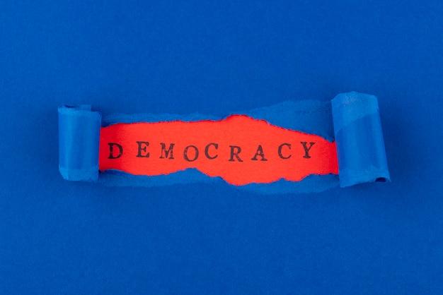 Composition de la démocratie de style papier vue de dessus