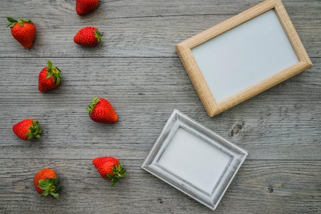 Composition à deux cadres et fraises