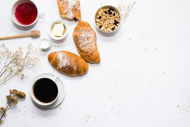 Composition du petit-déjeuner avec fond