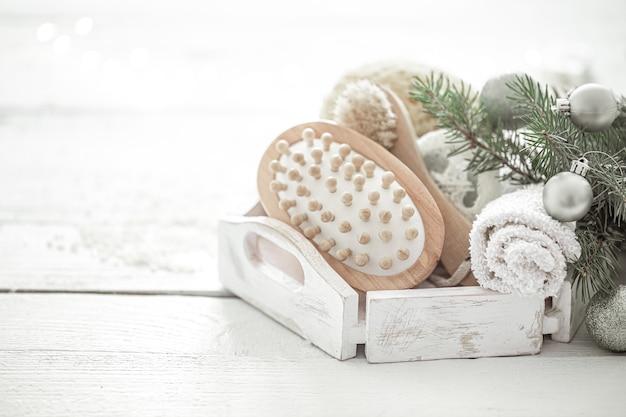 Composition du spa avec décoration de noël. mode de vie sain, soins du corps, spa et concept de relaxation.