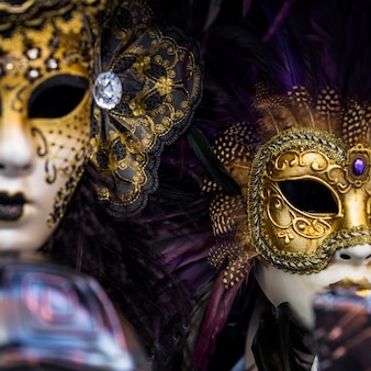 Composition élégante avec masque de carnaval de venise
