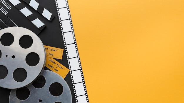 Composition d'éléments cinématographiques avec espace copie