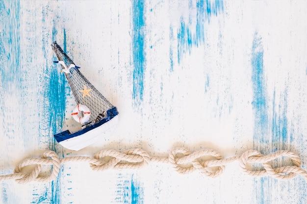Composition d'éléments marins avec fond
