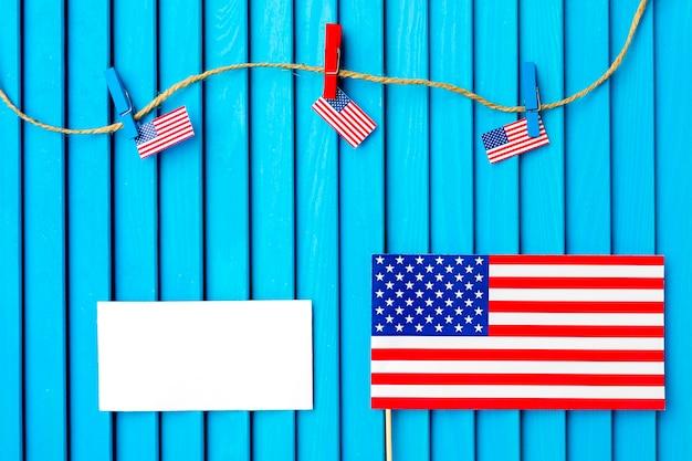 Composition de la fête de l'indépendance avec corde à linge