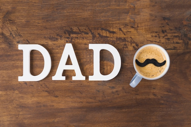 Composition de fête des pères avec du café