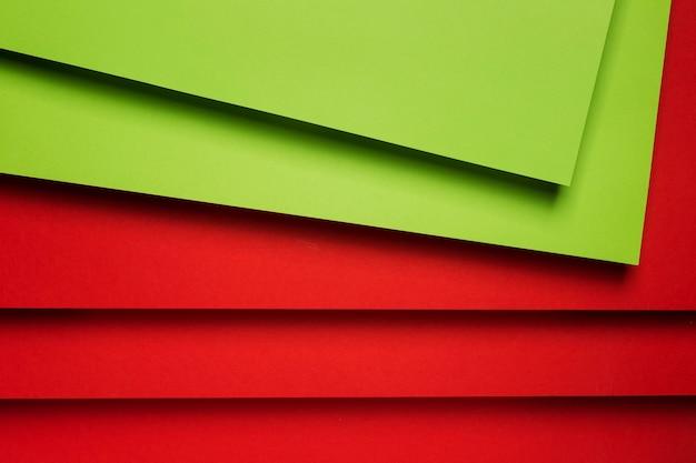 Composition de feuilles de papier colorées