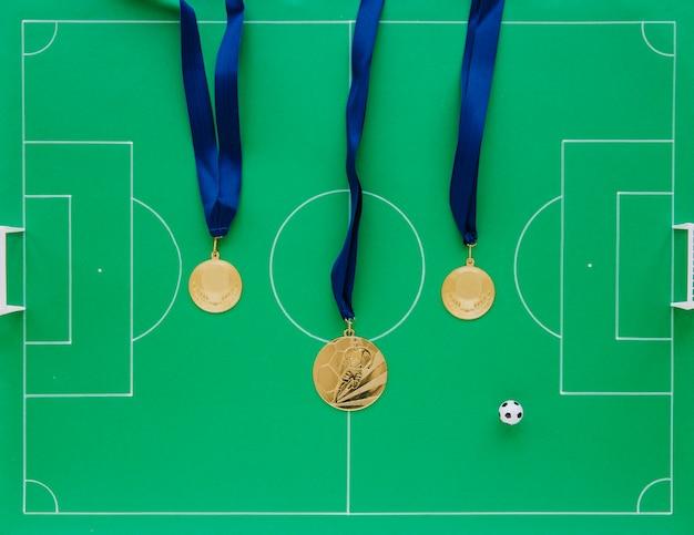 Composition de football avec médailles