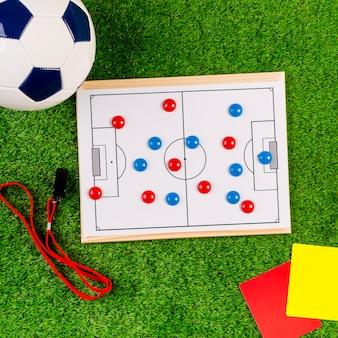 Composition de football avec tableau tactique blanc