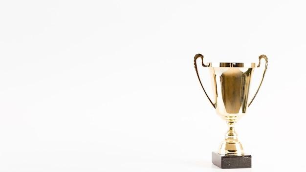 Composition de football avec trophée et surface