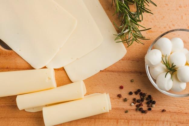 Composition de fromage à plat