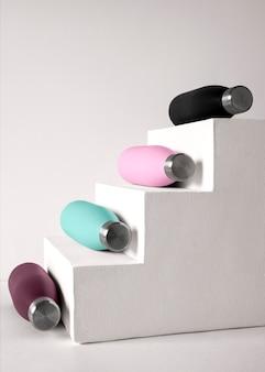 Composition de gobelets de différentes couleurs